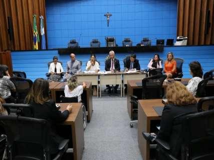 Em reunião, mulheres apresentam estratégias para combater feminicídio