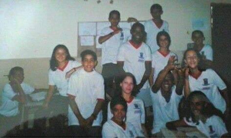 Na época da escola, estudantes já faziam festas temáticas e viajavam juntos