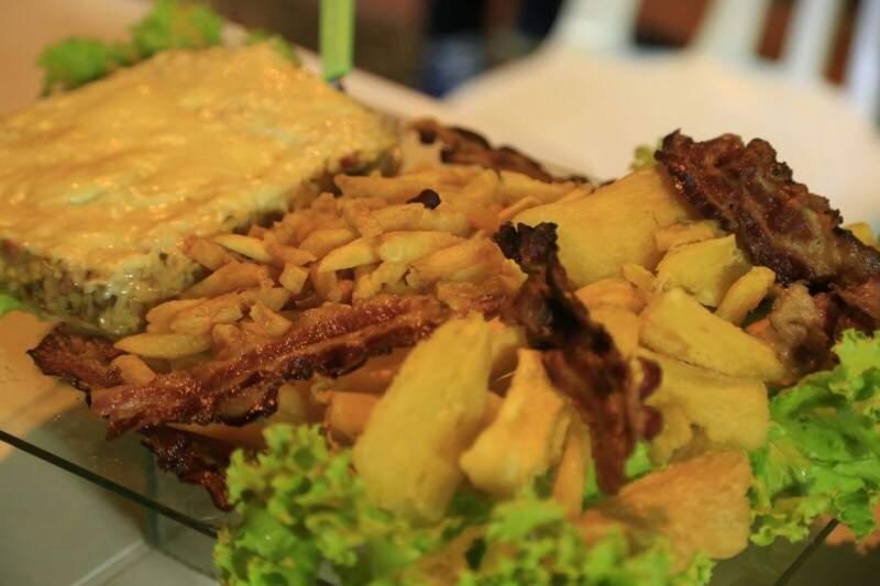 Mistura do Batata, dono do bar que agora vende Infarto.  (Foto: Gerson Walber)