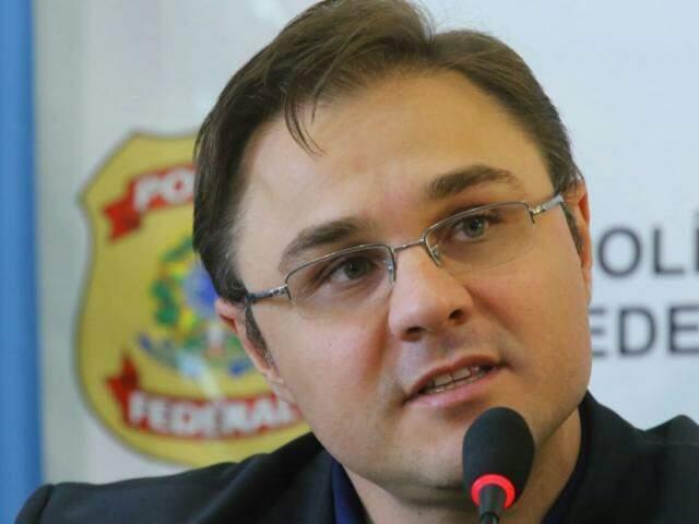 Delegado Cléo Mazzotti, durante coletiva à imprensa no dia 14 deste mês, quando a quinta fase foi deflagrada (Foto: André Bittar)
