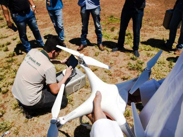 Uso de drones como tecnologia de precisão é um dos cursos ofertados. (Foto: Senar)