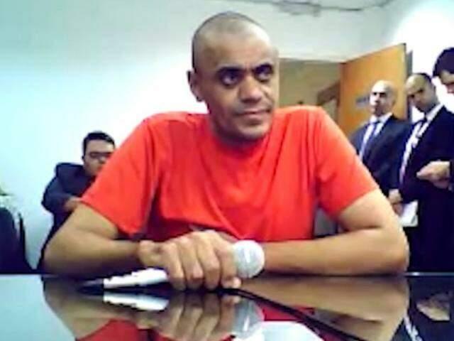 Adélio Bispo de Oliveira, durante audiência de custódia, confirmou motivações políticas e religiosas para efetuar ataque. (Foto: Reprodução)