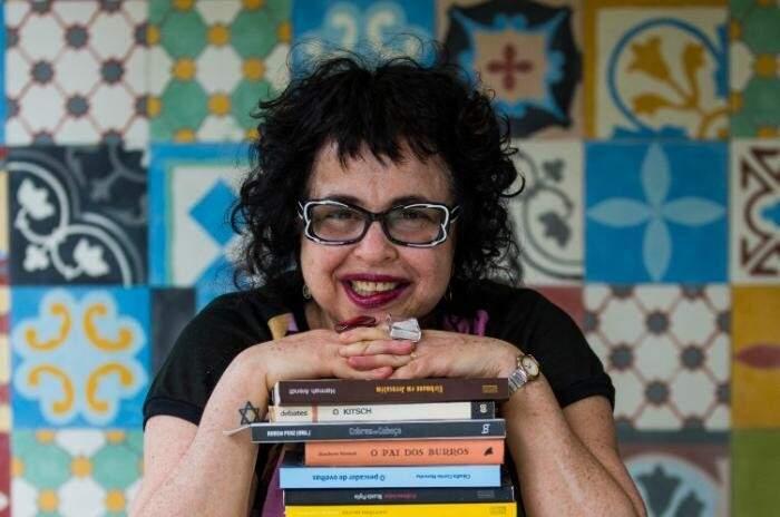 Cintia Moscovich é escritora, jornalista e mestre em Teoria Literária.