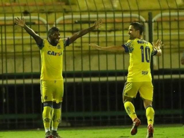 Rodinei e Diego foram os autores de dois dos gols da partida. (Foto:Gilvan de Souza)