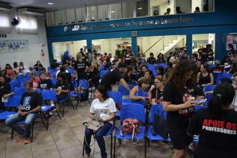 Greve por reajuste atinge 20 escolas da Capital, afirma sindicato