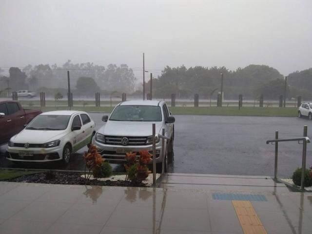 Em Maracaju, chuva provocou alagamento e destruiu obra de drenagem (Foto: Divulgação/Defesa Civil)