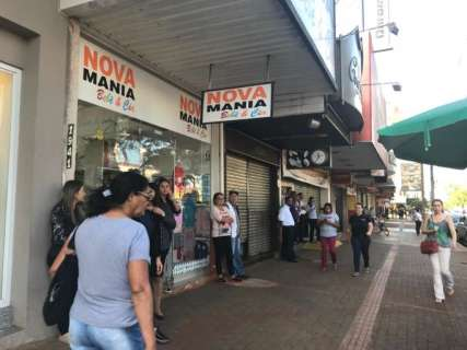 Comércio pega carona em greve e fecha as portas contra carga tributária