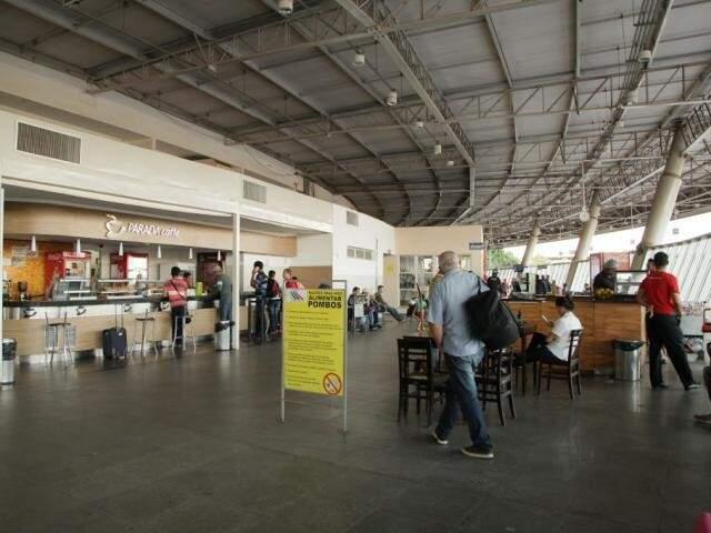 Pátio do Terminal Rodoviário de Campo Grande com pouco movimento de passageiros (Foto: Arquivo/ Campo Grande News)