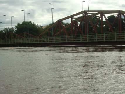Após seis dias, tráfego de veículos é liberado na ponte velha em Aquidauana