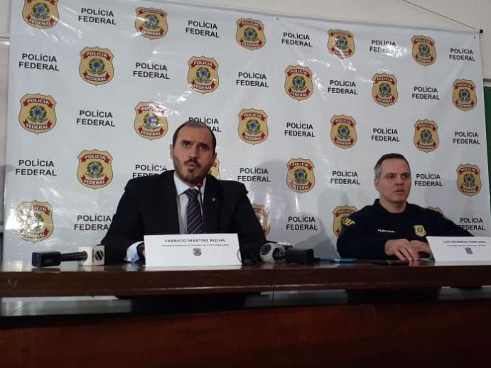 Da esquerda para direita, o delegado Fabrício Martins Rocha, e o corregedor-regional Luiz Eduardo Portugal (Foto: Ronie Cruz)