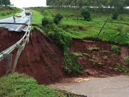 Governo fecha contratos emergenciais para recuperar estradas vicinais