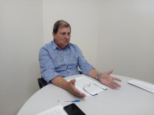 Presidente regional do PSDB, Sérgio de Paula, durante entrevista na sede do partido (Foto: Leonardo Rocha)