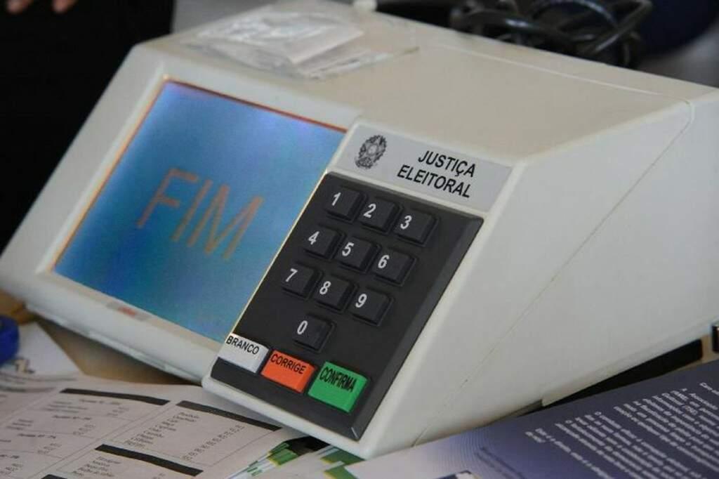 Programas usados na urna eletrônico foram lacrados hoje em Brasília. (Foto: