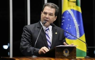 Ministro Eduardo Lopes.