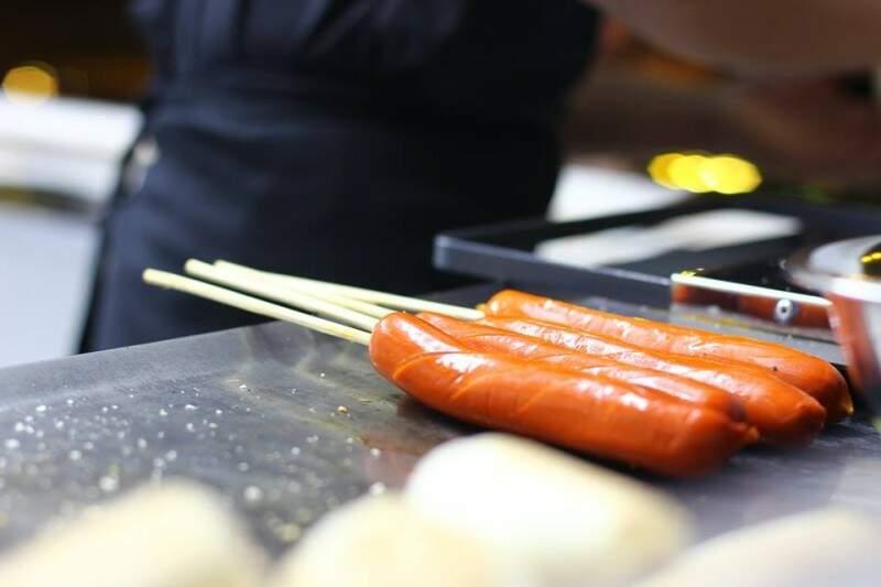 Com salsichas especiais, Perrito Caliente faz cachorro quente até com repolho.
