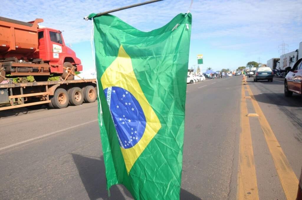 Caminhoneiros estão em protesto nas rodovias desde segunda-feira. (Foto: Paulo Francis)