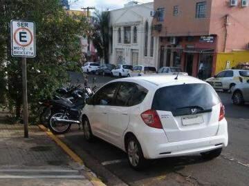 Flagrante foi feito por leitor que enviou a imagem pelo canal Direto das Ruas (Foto: Direto das Ruas)