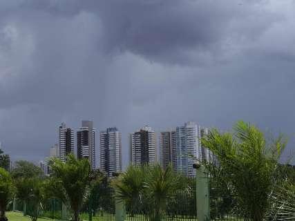 Inmet emite alerta de tempestade para 91% dos municípios de MS
