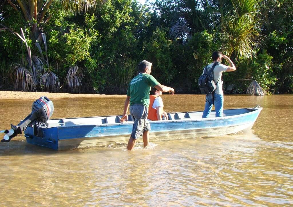 Rios esvaziam quando comporta segura a água e ameaça subsistência dos ribeirinhos (Divulgação/Ecoa)