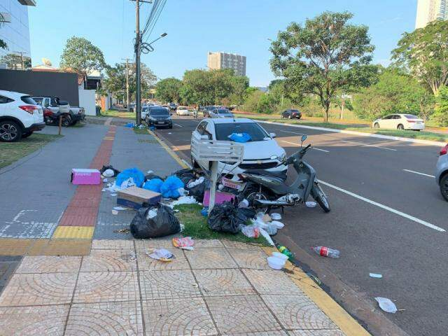 Cena na avenida Nelly Martins, em frente ao Parque das Nações Indígenas. (Foto: Direto das Ruas)