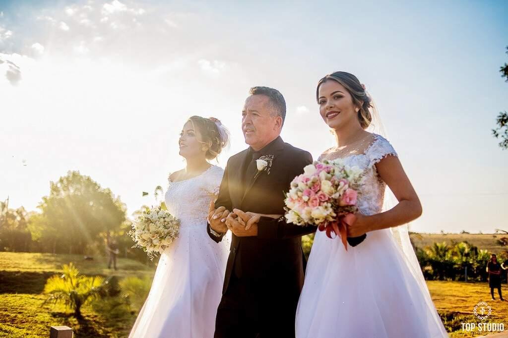 Momento do 'sim' foi a concretização de um sonho para toda a família. (Foto: Top Studio)