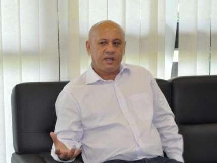 Secretário faz mistério e diz que só Reinaldo vai dizer quem sai do governo