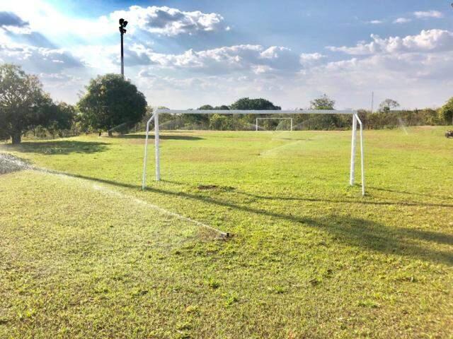Os campos do CEDESC nos preparativos para receber a escola de futebol Corinthians Funlec