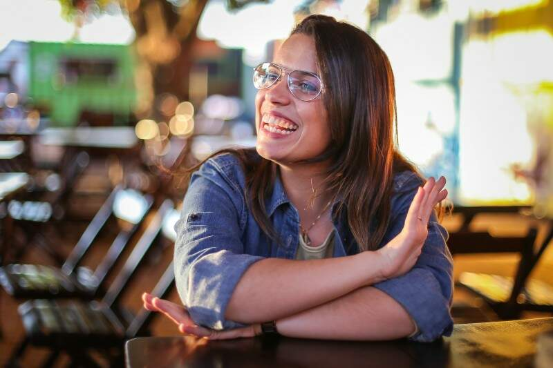 O sorriso é marca registrada da empresária (Foto: Fernando Antunes)