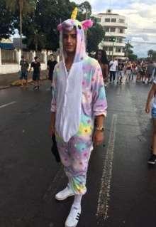 Último dia de Carnaval tem chuva de alegria e milhares de foliões na Esplanada