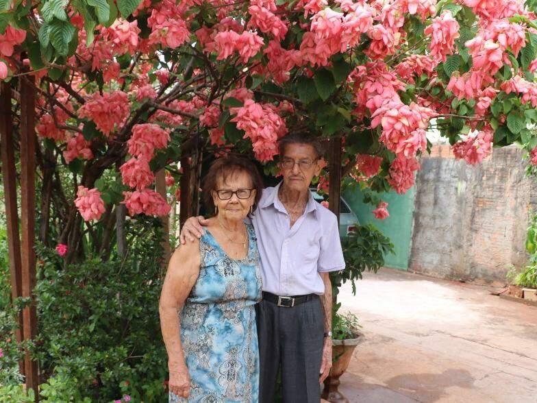 Amor de infância pode sim durar a vida toda e Sebastião e Terezinha são a prova (Foto: Kimberly Teodoro)