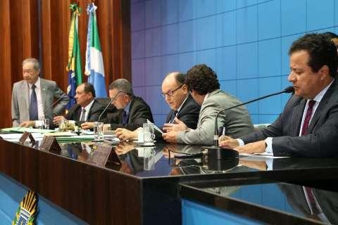 Deputados aprovam projeto que fixa prazo para exames aos idosos