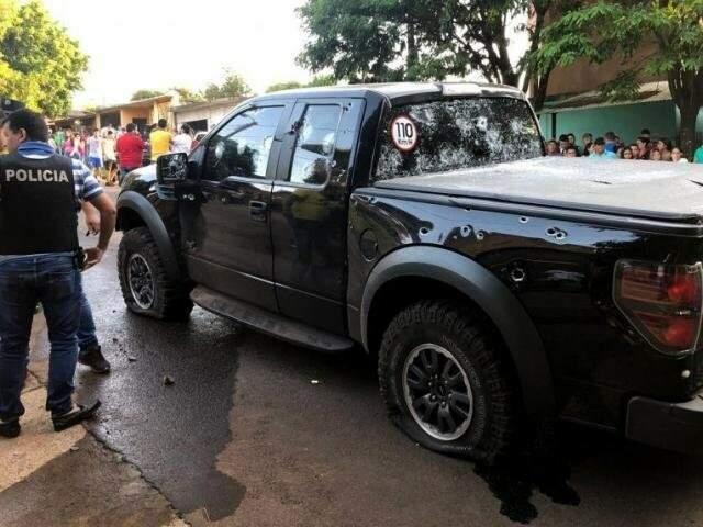 Camionete de Pedrinho, atingida pelos disparos de fuzil. (Foto: ABC Color)