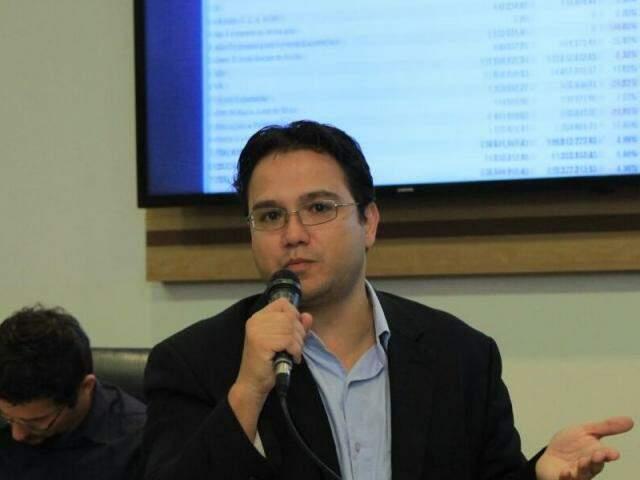 Secretário de Receita do município, Pedro Pedrossian Neto, apresentou hoje prestação de contas do 1º quadrimestre. (Foto: Marina Pacheco)