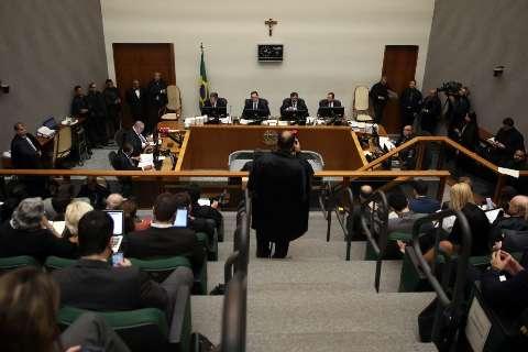 Relator vota contra pedido de habeas corpus para Lula no STJ