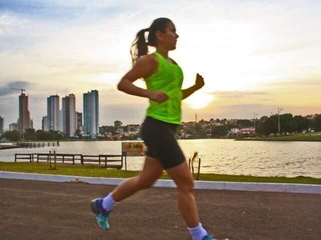 Exercícios físicos ajudam na prevenção de AVC (Foto: Marcos Ermínio)
