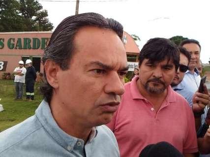Marquinhos faz visita a retomada de obras de esgoto no Santa Luzia