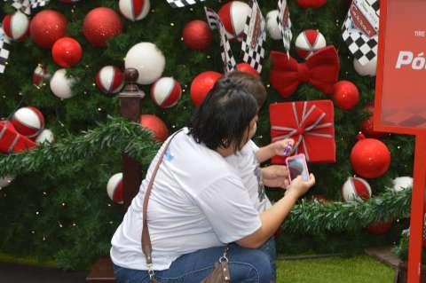 Shopping abre cedo para crianças autistas curtirem Papai Noel no silêncio