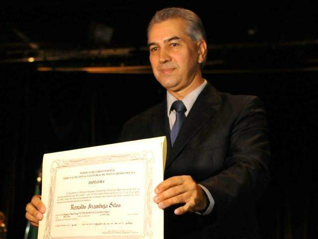 Governador Reinaldo Azambuja (PSDB) quando foi diplomado em 2014 (Foto: Arquivo)