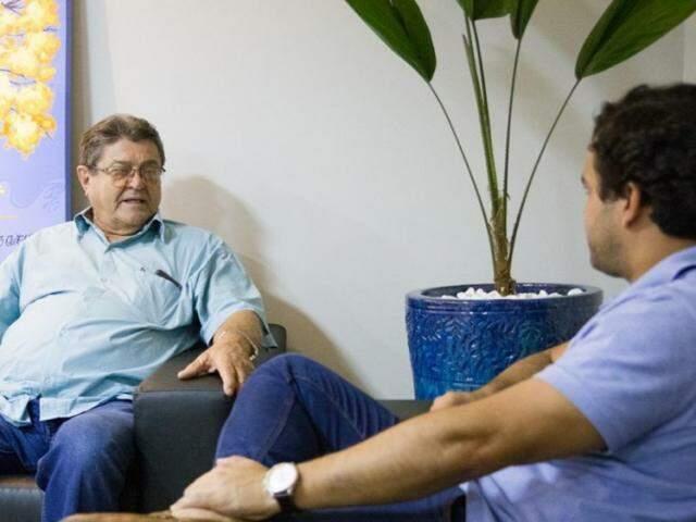 Donato Lopes (à esquerda) em reunião com o deputado Beto Pereira. (Foto: Divulgação)