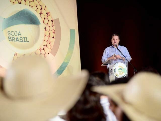 Presidente da Aprosoja fala na abertura do plantio de soja em MS, hoje em Terenos (Foto: João Carlos Castro/Divulgação)