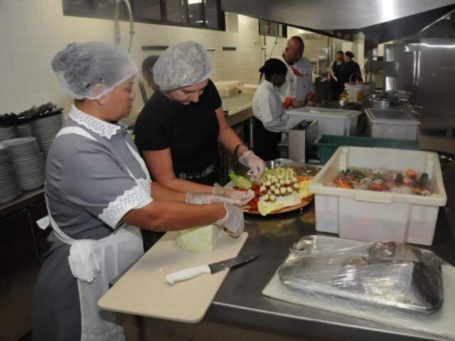 Cozinhas foram superquipadas com fornos de alta tecnologia, equipamentos de ponta, e de qualidade, para funcionar como laboratório prático aos alunos (foto: Paulo Francis)