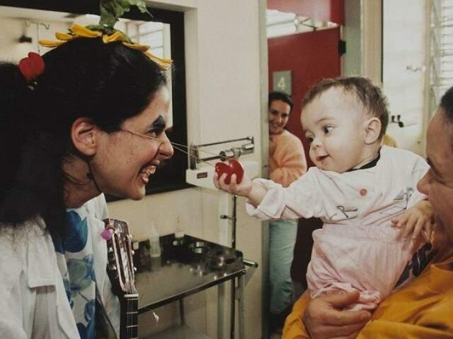 Os Doutores da Alegria completam mais de 25 anos de atuação, levando alegria para pacientes de hospitais. (Foto: Juan Esteves)