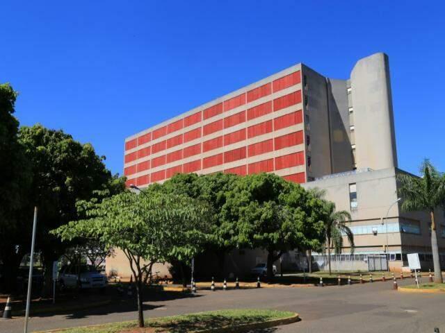 Fachada do Hospital Regional em Campo  Grande. Serão abertas 197 vagas para técnicos de enfermagem e 2 para médicos radiologistas. (Foto: Marcos Ermínio)