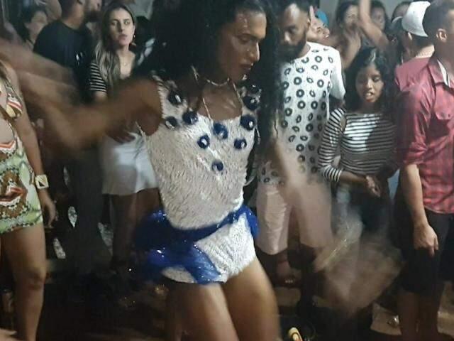 Samba da Resenha tem até piscina e é festa mais chique que rola na Zona Sul