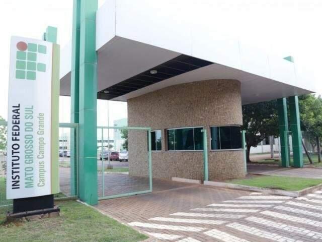 Fachada do campus do IFMS em Campo Grande. (Foto: Kísie Aionã)