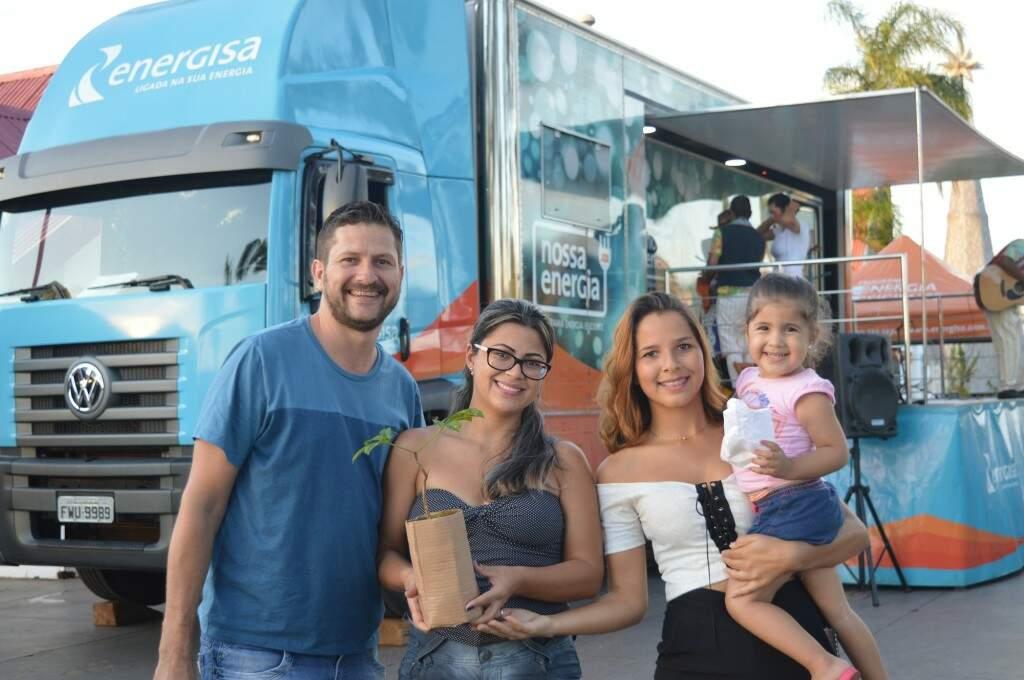 Família que participou da iniciativa promovida pela Energisa. (Foto: Divulgação)