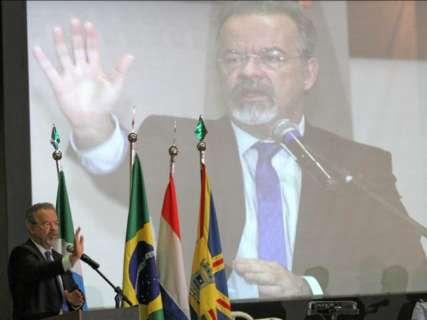 """""""Não tem base legal"""", afirma ministro sobre pedido de ressarcimento de MS"""