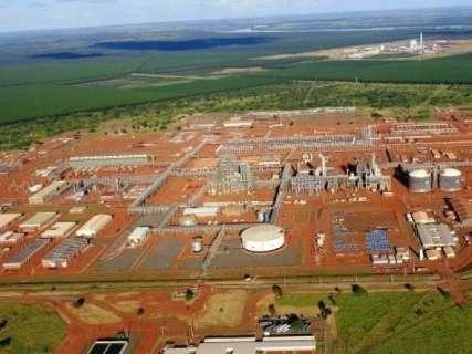 Reunião oficializa incentivos à empresa que assumir fábrica de fertilizantes
