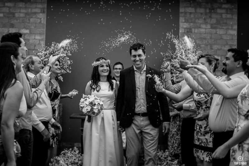 Casamento foi na varanda de casa, em fazenda de Maracaju. (Foto: Top Studio Fotografia)