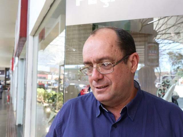Carlos Zaffanelli é contra os pedidos de doações (Foto: Henrique Kawaminami)
